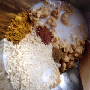 chickpeas, coconut milk, rice, breadcrumbs,curry, nutmeg,cumin,salt and sugar