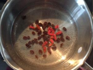 water, raiains, goji berries, salt